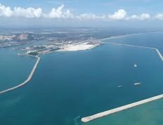 马来西亚关丹防波堤修复工程主体完工